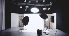 Photography Jobs Online - Photography Jobs Online - It's All in Your Head: Photographic Vision Over Photographic Skills . Photography Lighting Setup, Lighting Setups, Video Lighting, Photography Jobs, Studio Lighting, Cool Lighting, Photography Business, Light Photography, Portrait Photography