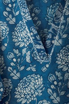 Silk Kurti Designs, Simple Kurta Designs, Salwar Neck Designs, Neck Designs For Suits, Saree Blouse Neck Designs, Churidar Designs, Kurta Neck Design, Neckline Designs, Sleeves Designs For Dresses