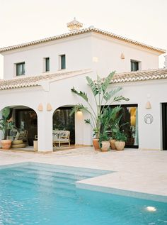 Places to go in Javea, Spain — B. Spanish Style Homes, Spanish House, Spanish Colonial, Spanish Style Interiors, Spanish Villas, Dream House Exterior, Dream Home Design, Javea Spain, Exterior Design