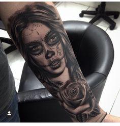 Tattoos of the world Payasa Tattoo, Skull Girl Tattoo, Girl Face Tattoo, Sugar Skull Tattoos, Face Tattoos, Best Sleeve Tattoos, Sleeve Tattoos For Women, Forearm Tattoos, Body Art Tattoos