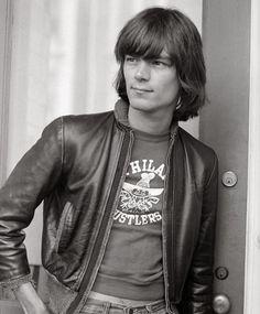 Dee Dee Ramone photographed by Jenny Lens, 1978.