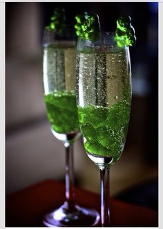 Sparkling Pinot Grigio with Green Gummy Bears ~ use any color gummy bear ~ for an extra kick soak the gummy bears overnight in your favorite flavored vodka or add your favorite liqueur!