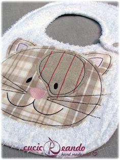 baby bib--Cute kitty applique