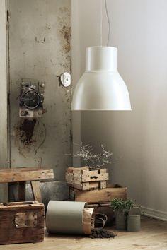 Caisa K -värikartan huhtikuun sävy | Artikkelit - Tikkurila Oyj | Kotimaalarit | Värit Rustic Industrial, Industrial Design, Wall Colors, Colours, Nordic Interior, Living Styles, Konmari, Mason Jar Lamp, Home And Living