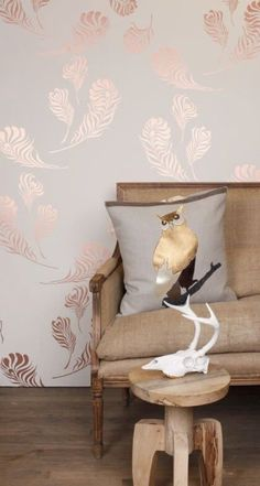 New Metallic Wallpaper Living Room Decor 17 Ideas Tapete Gold, Rose Gold Wallpaper, Feather Wallpaper, Copper Wallpaper, Beautiful Wallpaper, Trendy Wallpaper, Accent Wall Bedroom, Wall Paper Bedroom, Rose Bedroom