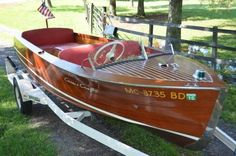 Old Boats, Small Boats, Wooden Speed Boats, Places In San Francisco, Chris Craft Boats, Boat Companies, Runabout Boat, Classic Wooden Boats, Boat Insurance
