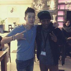 Een foto van mij en de Koreaanse superster Jay Park. Zijn muziek is inspirerend voor mij.