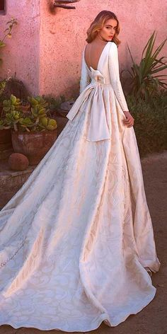 Wonderful Perfect Wedding Dress For The Bride Ideas. Ineffable Perfect Wedding Dress For The Bride Ideas. Wedding Dresses Pinterest, Wedding Dress Sleeves, Long Sleeve Wedding, Colored Wedding Dresses, Best Wedding Dresses, Bridal Dresses, Wedding Gowns, Wedding Ceremony, Wedding Cakes