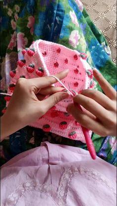 Crochet Tutorials, Crochet Projects, Crochet Patterns, Love Crochet, Diy Crochet, Crochet Leaves, Crochet Accessories, Crotchet, Origami