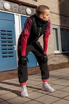 Sportbekleidung für Männer, Sportweste von Nike, Windschutz von Nike, Sportbekleidung von Nike, Sportbekleidung von bunten Farben, #zalando, #nike Fitness Workouts, Fitness Inspiration, Improve Flexibility, Bike Style, Body Poses, Yoga, Physical Fitness, Womens Fashion, Male Fashion