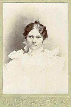 +~+~ Antique Photograph ~+~+  Ethereal young woman, Staunton, Virginia