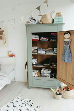 Kids clothes storage