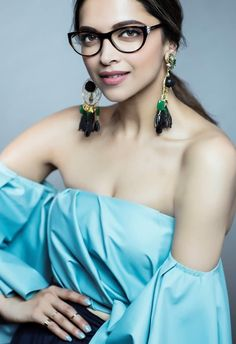 32 Best Deepika Padukone Boobs Photos Sexy Bikini Pics & Hottest Cleavage Show Bollywood Gossip, Bollywood Girls, Bollywood Actress, Bollywood Style, Indian Film Actress, Indian Actresses, Actress Pics, Sexy Bikini, Bikini Pics