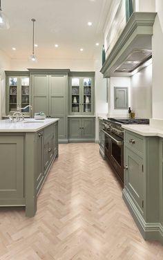 Sage Green Kitchen, Green Kitchen Cabinets, Kitchen Cabinet Colors, Shaker Style Kitchen Cabinets, Kitchen Wood, Kitchen With Mantle, Kitchen Cabinetry, Green Kitchen Paint, Painted Kitchen Cabinets