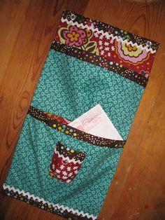 tutorial - pleated pocket front door organizer DIY