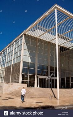 France, Gard, Nimes, Le Carre d'Art built by Norman Foster,