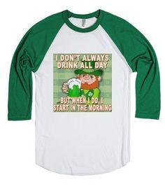 Where Da Gold At Leprechaun  Funny Irish Video Green Crewneck Sweatshirt