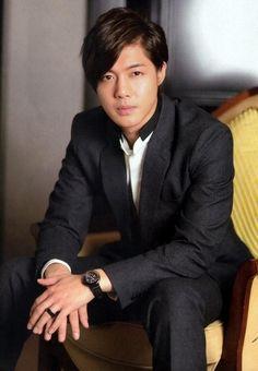 kim hyun joong | Foto Kim Hyun Joong di Majalah Aera - Foto 18 dari 30