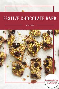 Festive chocolate bark, a deliciously easy Christmas chocolate recipe with pistachios, cranberries and edible glitter. Perfect recipe for using as handmade Christmas gifts or serving as Christmas party food. Chocolate Oats, Chocolate Swirl, Christmas Chocolate, Chocolate Recipes, Christmas Party Food, Christmas Recipes, Handmade Christmas, Christmas Gifts, Delicious Desserts