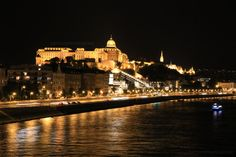 Must-see places in Budapest in an evening (Part 1) – Eat, Click, Travel and Repeat! Budapest, Repeat, Places To See, Paths, Taj Mahal, Building, Travel, Viajes, Buildings