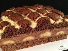 Ezt a süteményt szinte kéthetente el kell készítenem. A család imádja, ha reggel csinálom, estére már biztosan nem marad egy falat sem. A csokoládé...