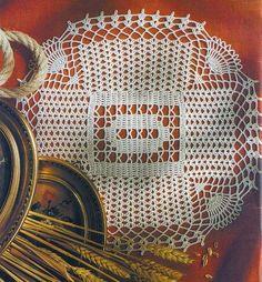 Kira scheme crochet: Scheme crochet no. Roses Au Crochet, Crochet Dollies, Doilies, Magazine Crochet, Crochet Tablecloth, Thread Crochet, Pinwheels, Home Textile, Pattern