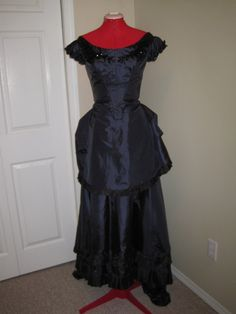 Victorian dress on Etsy, $123.91