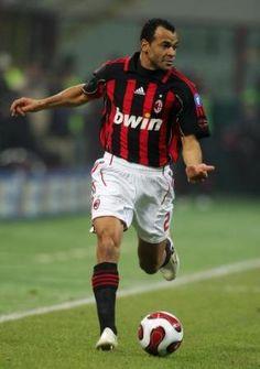 Cafú, - Capitão da Seleção Brasileira Campeã Mundial em 2002 .AC Milan (2003-2008)
