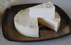 Easy Homemade Queso Fresco | 9 Mouthwatering Homemade Cheese Recipes To Try This Weekend | Best DIY Recipes Of Farmers Cheese, Queso Fresco, Cream Cheese, Cottage Cheese And So Much More! by Pioneer Settler at http://pioneersettler.com/9-homemade-cheeses/