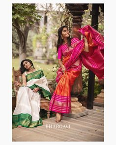 Check out some stunning traditional as well as contemporary south Indian latest silk sarees designs from a popular brand called Bhargavi Kunam. South Indian Silk Saree, Blue Silk Saree, Bridal Silk Saree, Soft Silk Sarees, Indian Sarees, Traditional Silk Saree, Traditional Looks, Traditional Outfits, Indian Attire