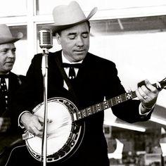 Remembering the legendary Earl Scruggs on his birthday. Born this day in 1924.    #thebanjonation  #banjo  #banjolife  #music  #bluegrasslife  #bluegrass  #earlscruggs