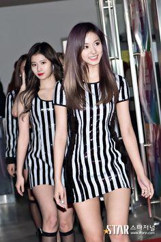 A collection of K-pop idol photos. All credit. Pretty Asian, Beautiful Asian Women, Cute Asian Girls, Cute Girls, Korean Beauty, Asian Beauty, Tzuyu And Sana, Ange Demon, Nayeon