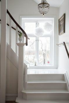 Fin trappa House, Interior, Hallway Inspiration, Staircase Design, House Inspo, Scandinavian Home, Interior Details, House Interior, Interior Design