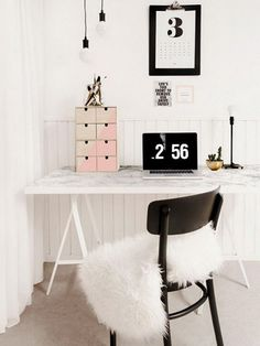 """White and black with a """"pop"""" of pink. Photo: Hative.com"""