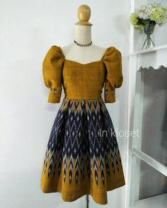 Traditional Thai Clothing, Traditional Dresses, Modern Filipiniana Gown, Office Wear Dresses, Myanmar Dress Design, Kids Gown, Batik Fashion, Sari Blouse Designs, Thai Fashion