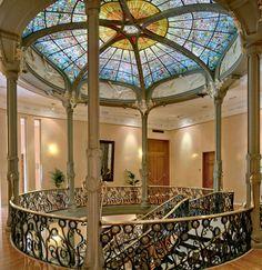 Spanish Woman, Art Nouveau Architecture, Gazebo, Art Deco, Stairs, Outdoor Structures, Design, Modernism, Temples