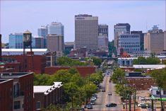 upload.wikimedia.org wikipedia commons 8 89 Downtown_Richmond_(VA)_from_Libby_Hill_Park_June_2012_(7433867610).jpg