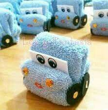 Fold A Towel Car – Washcloth – Ideas of Washcloth – Fold A Towel Car – Wasche falten Baby Shower Parties, Baby Boy Shower, Baby Shower Gifts, Towel Origami, Towel Animals, How To Fold Towels, Baby Washcloth, Shower Bebe, Towel Crafts