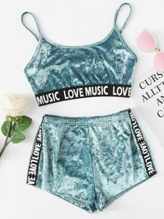Samt Dessous Set mit Muster und Band – German SheIn(Sheinside) Velvet lingerie set with pattern and ribbon – German SheIn (Sheinside) Cute Lazy Outfits, Teenage Outfits, Chill Outfits, Teen Fashion Outfits, Cute Casual Outfits, Sporty Outfits, Outfits For Teens, Pajama Outfits, Crop Top Outfits