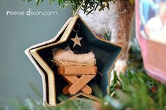 handmade christmas ornaments with manger  | Manger in a star ornament DIY | Handmade Christmas Ornaments