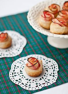 Roses - puff pastry with apples  Authentic Polish recipe... so pretty!