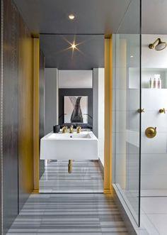 Эту стильную квартиру в Нью-Йорке, США создали дизайнеры из Messana O'Rorke, вдохновившись работами Tom Ford и Halston