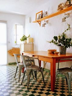 Casinha colorida: Home Tour: com piso xadrez