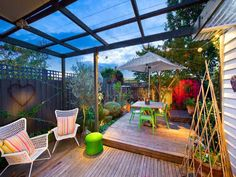 A garden/deck area behind the  worker's cottage in Melbourne, Australia. Desire to Inspire Web page. 7/6/12.
