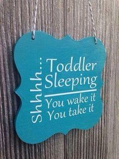 just in case I ever get a kinder class, I can put this on my door Wood Crafts, Diy Crafts, Toddler Sleep, Baby Sleep, Toddler Stuff, Hanging Signs, Door Signs, House Signs, Kind Mode
