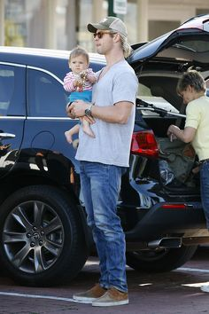 Chris Hemsworth + His baby is adorable