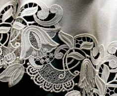 Detail of the absolutely beautiful Sasha German Lace Table Topper.