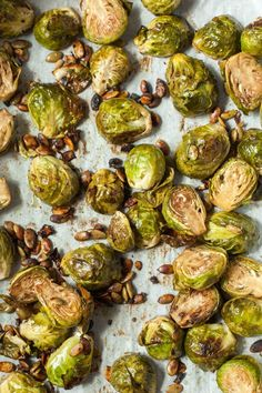 Rosenkohl Rezept mit Honig und Balsamico Brussels sprouts recipe with honey and balsamic Honey Balsamic Brussel Sprouts, Roasted Garlic Brussel Sprouts, Shredded Brussel Sprout Salad, Brussels Sprouts, Healthy Brussel Sprout Recipes, Easy Healthy Recipes, Eat Healthy, Honey Recipes, Soul Food