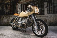 BMW R80 RT (1987) Jerikan   Click to read more