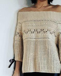 My🖤 Beide fliegen nach Moskau Моск Verkauft … Prom Dress Shopping, Online Dress Shopping, Crochet Shirt, Knit Crochet, Crochet Style, Crochet Summer Tops, Crochet Tops, Spring Fashion Outfits, Simple Shirts